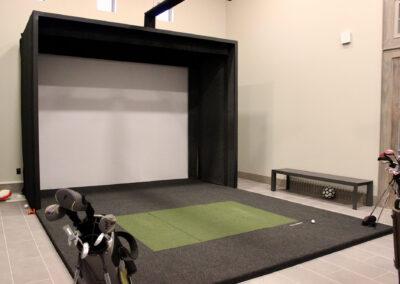 Palo Alto Luxury Apartments - Golf Simulator