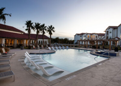 Stone Hill Apartments - Pool