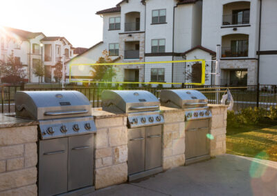 Stone Hill Apartments - Outdoor Grill